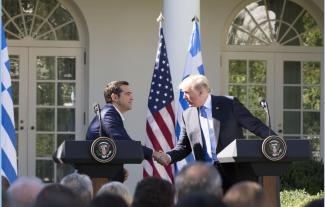 Tsipras leent goedkoper dan Trump